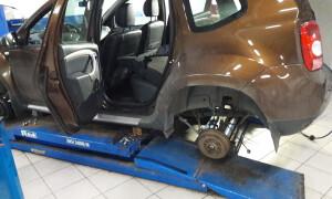 Чек-лист: замена задних амортизаторов автомобиля Рено Дастер 4х4